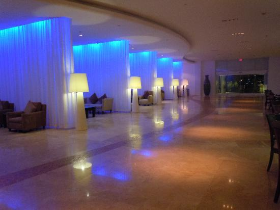 lobby picture of le blanc spa resort cancun tripadvisor. Black Bedroom Furniture Sets. Home Design Ideas