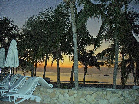 Couples Swept Away: another sunset