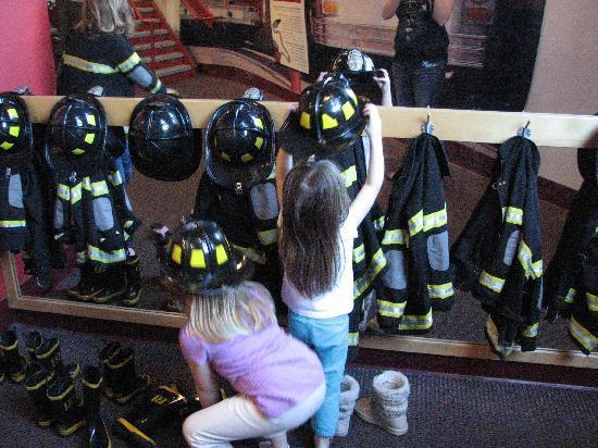 EdVenture Children's Museum : Getting suited up