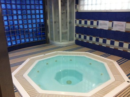 Estadio Santiago Bernabéu: this is the jacuzzi for the players