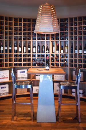 Southern Ocean Lodge: Wine Cellar