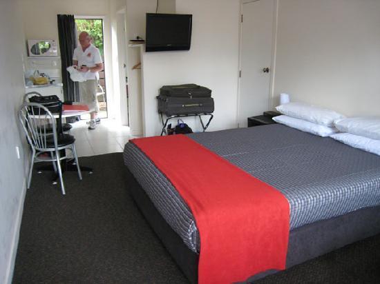 الباتروس موتل: Part view of our room