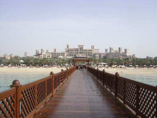 Jumeirah Al Qasr at Madinat Jumeirah: View of the hotel from the pier