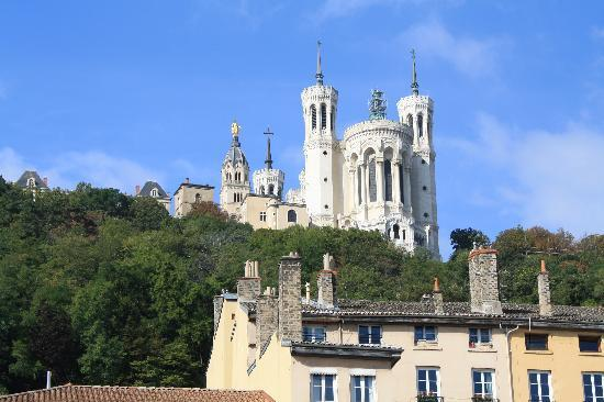 Lyon, Prancis: Basilique from the bottom of the hill