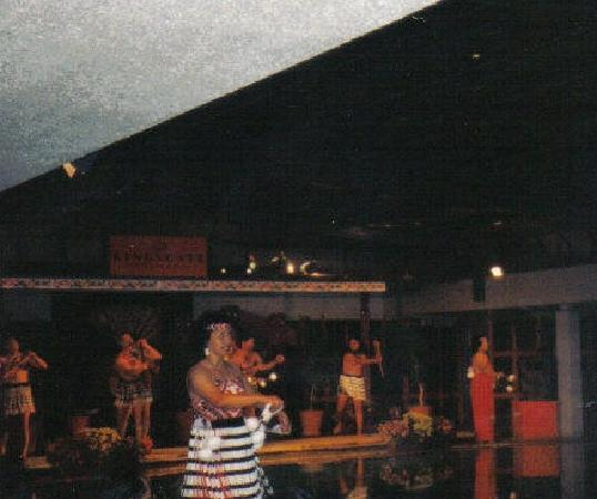 Rotorua District, Nueva Zelanda: Maori Dancers Maori Cultural Center Rotorua New Zealand