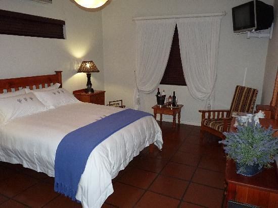 Akkerdal Guest House: Room 1, Spacious and luxurios bedding