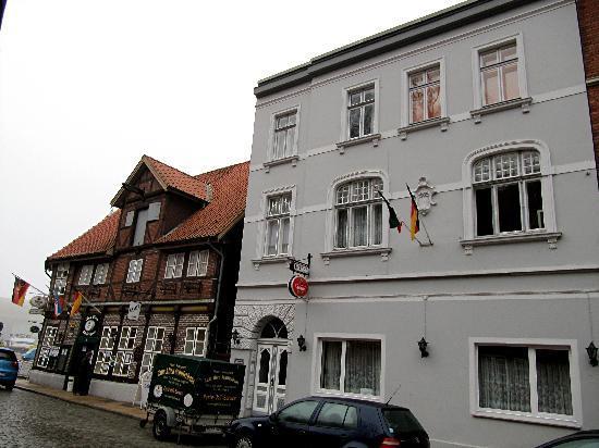 Hotel Restaurant Zum Alten Schifferhaus: Schifferhaus und Nebenhaus