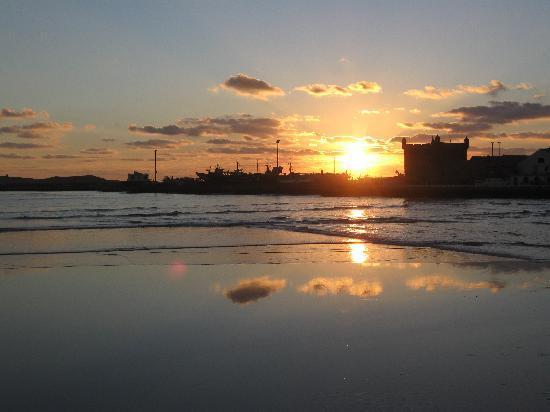 Riad Lunetoile: Sonnenuntergang am Hafen