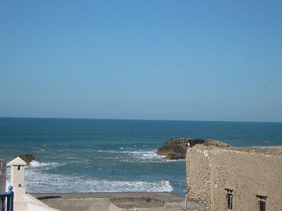 Riad Lunetoile: Blick von der Terrasse aufs Meer