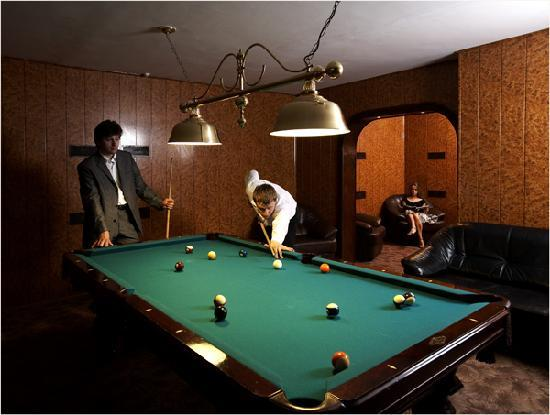 Royal Zenith Hotel II : billiards