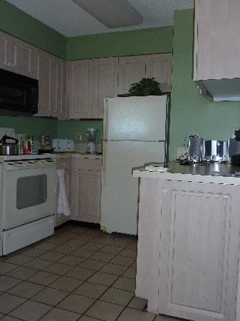 Peppertree Resort: Kitchen area
