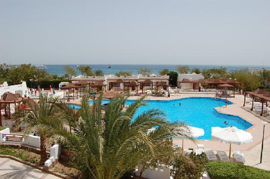 swimming pool- Menaville Resort