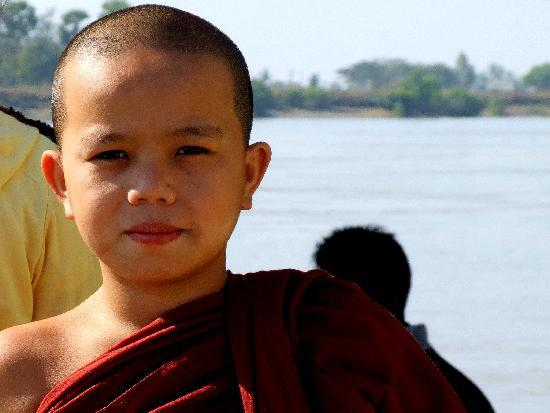 Novice monk at Kyauktan