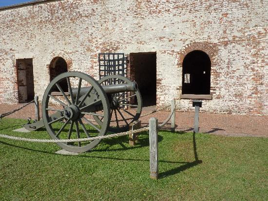 Fort Macon: Cannon on display at the fort