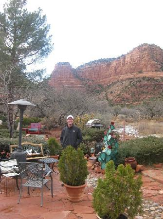 Cozy Cactus Bed and Breakfast: On their back patio