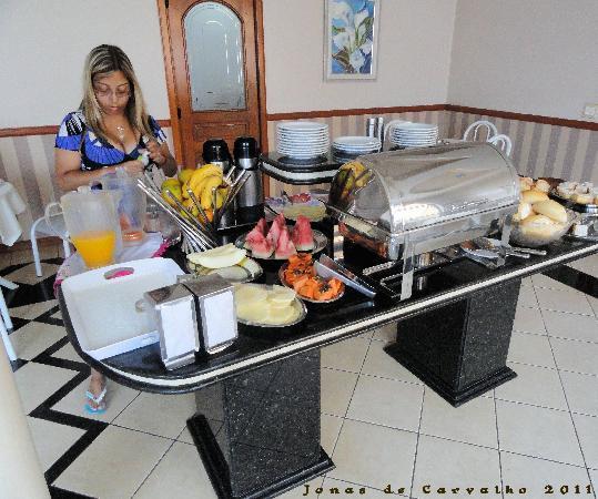 Hotel Rouver: Café da manhã
