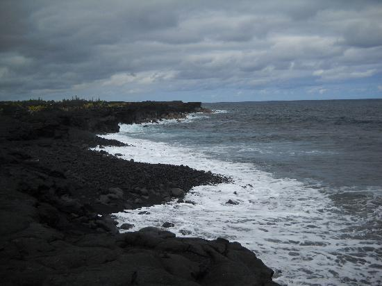 Hawaii Volcano Tours: Black Sand Beach