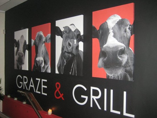 Deano's Graze & Grill: our famous cows !