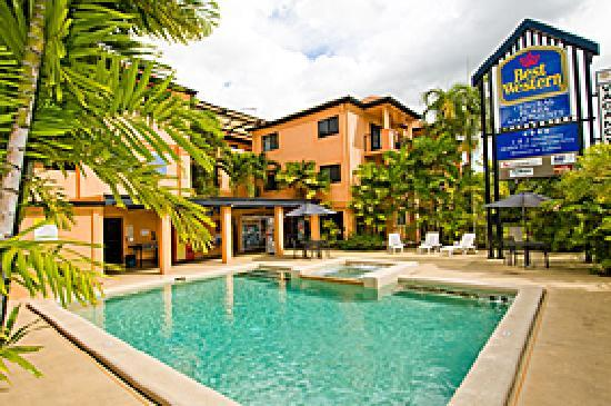 BEST WESTERN Central Plaza Apartments: Swimming Pool
