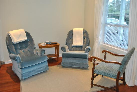 BayView Bed and Breakfast: BayView Suite Private Seating area