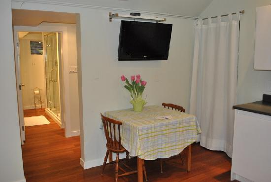 BayView Bed and Breakfast: BayView Suite - private dining