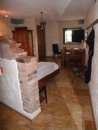 """Hotel """"Santa Isabel"""" Europa-Park : Hotelzimmer - Blick von der Tür"""
