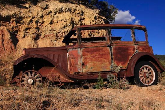 Cloudcroft Mountain Park Hostel: car