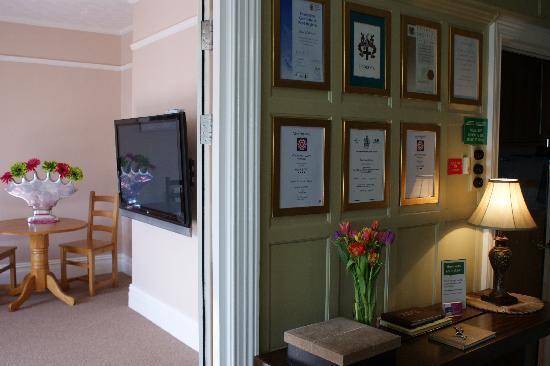 Chynoweth Lodge: Reception/Hallway