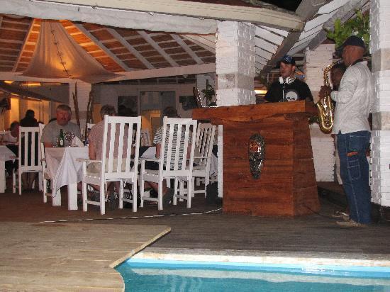 Blu Space Lounge Restaurant: Sunday's DJ & Sax