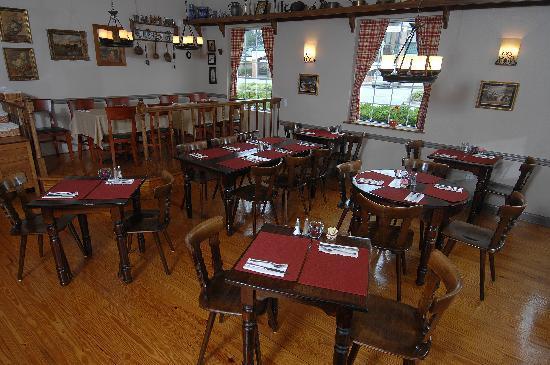 Helga's: Dinning room