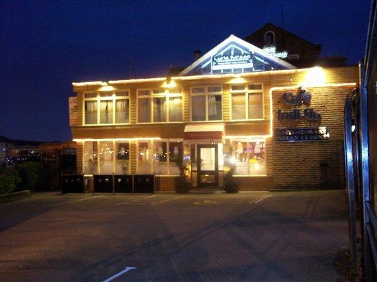 Cafe Indigo: The restaurant at night