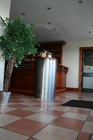 Cafe Indigo: The bar
