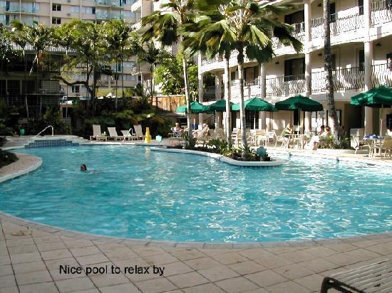 Waikiki Sand Villa Hotel: Waikiki Sand Villa pool area