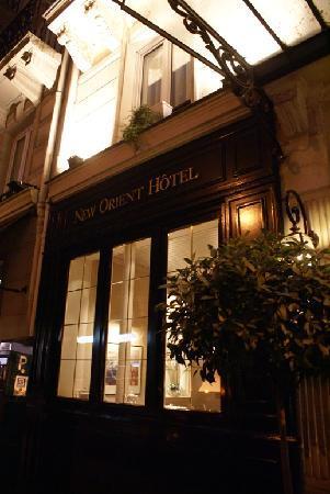 New Orient Hotel: Facade
