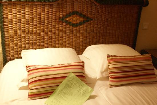 New Orient Hotel: Comfy Bed