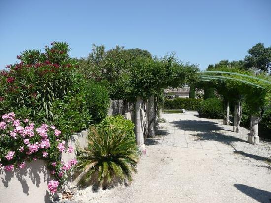 Les jardins de fontanille 0 for Le jardin 19