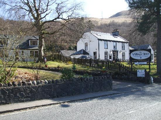 Burnbrae Bed and Breakfast : Bunbrae and village inn next door.