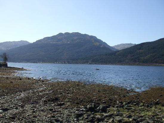 Burnbrae Bed and Breakfast : Viewm of Loch LOng from Burnbrae