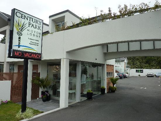 Century Park Motor Lodge: L'entrée de l'hôtel