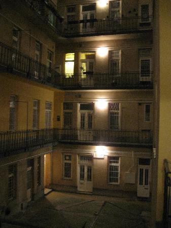 อเวนทูร่า บูติค โฮสเทล: The apartment building