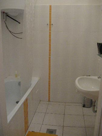 อเวนทูร่า บูติค โฮสเทล: Bathroom