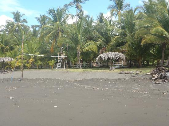 Encantada Ocean Cottages: Beach
