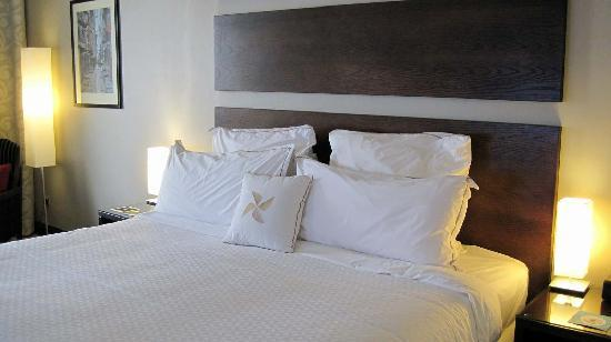 Four Points by Sheraton Lagos: The bed.