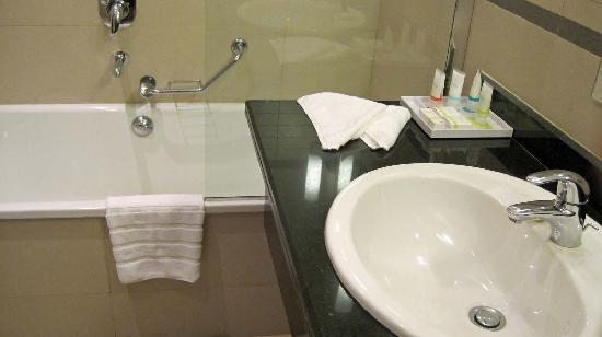 Four Points by Sheraton Lagos: Spartan but clean and well maintained.