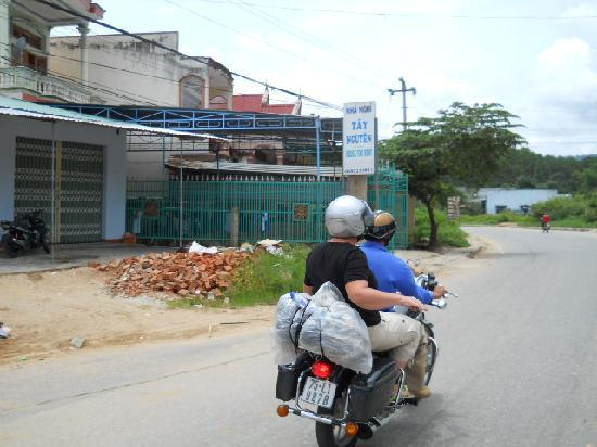 Hue Freedom Riders - Day Tour: guest on a trip