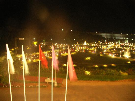 Royal Orchid Brindavan Gardens: The Gardens at night .... a dancing light show every evening