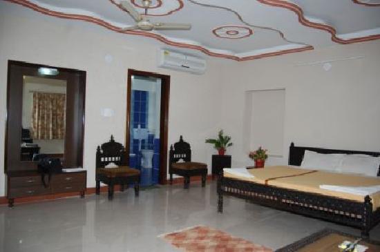 Hotel Priya: Super DLX Room