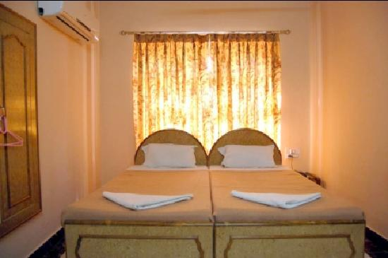 Hotel Priya: DLX Room