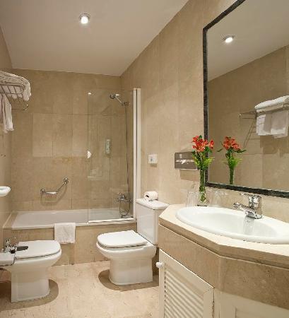 Hotel suites barrio de salamanca madrid espa a for Banos pequenos con ducha modernos y elegante
