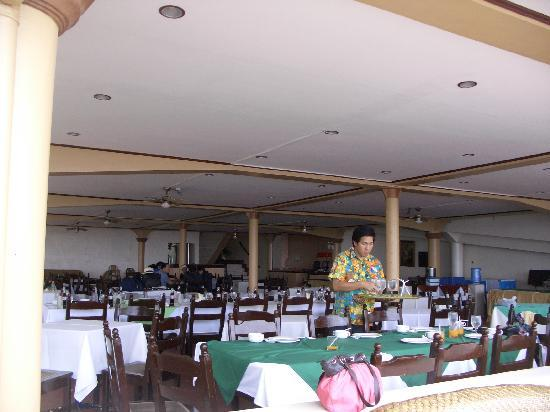 Paras Beach Resort: the restaurant
